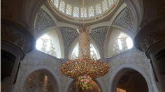 Die große Moschee von Abu Dhabi - absolut sehenswert! - www.behappyandtravel.com