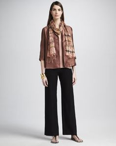 Subdued and yet an elegant touch to a simple outfit