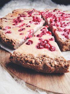 Jednoduchý ovesný koláč s tvarohem A Food, Food And Drink, Healthy Style, Cooking Recipes, Healthy Recipes, Healthy Food, Gluten Free Cakes, Great Recipes, Banana Bread