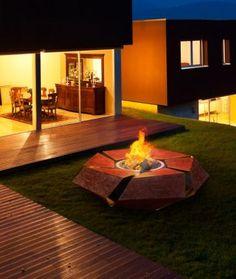 Semineu metalic modern,de exterior cu lemne de la Glammfire www.semineeromania.ro
