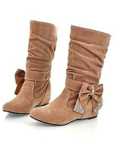 Cute Tan Boots with a Bow