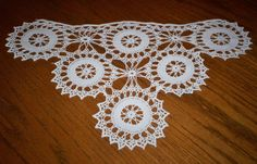 Vintage Hand Crocheted Lace Sofa Arm Chair Vanity Doily 14 x 23.5 Pale Ivory SEE