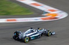 Foto Der Woche – Auto des F1 Formel-1 Weltmeisters Lewis Son 23 Nov 2014 in Abu Dhabi
