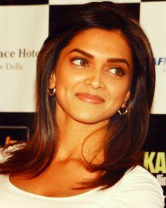 Deepika Padukone quits the Race 2 shooting to star in Kochadaiyaan Indian Film Actress, Indian Actresses, Deepika Padukone Hair, Dipika Padukone, Beautiful Bollywood Actress, Indian Celebrities, Models, Bollywood Stars, Indian Beauty