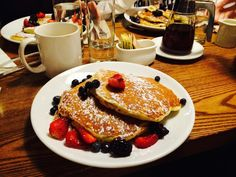 If you are like me, you wake up on the weekend and want a good breakfast or brunch but don't know where to go....