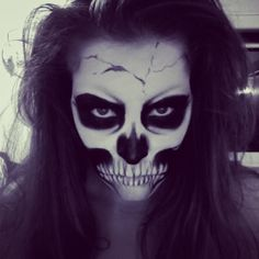 Scull Makeup