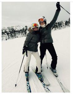 Winter Cabin, Winter Fun, Winter Sports, Ski Girl, Ski Season, Ski Fashion, Snow Skiing, Winter Pictures, Best Friend Goals