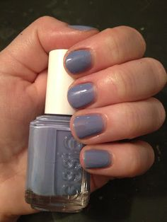12 Days of Favorite Nail Colors from Jamie and Katie: Essie Lapiz of Luxury
