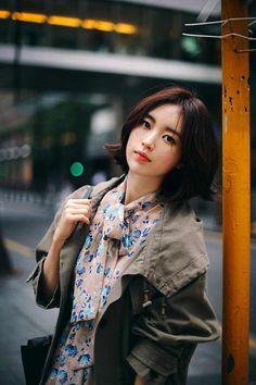 Yun Seon Young milkcocoa women t Young Models, Female Models, Korean Beauty, Asian Beauty, Asian Woman, Asian Girl, Blue Flower Dress, Yoon Sun Young, Asian Short Hair