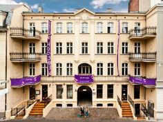 Blooms Inn & Apartments Poznań Located in a renovated historic building in central Poznan, Blooms Inn & Apartments are just 200 metres from the Stary Browar Shopping Centre and 450 metres from the Old Town. Individually decorated rooms and apartments with free WiFi are offered.