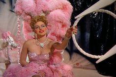 Vintage Hollywood, Hollywood Glamour, Classic Hollywood, Pink Movies, Girls Lipstick, Pink Corset, Ziegfeld Follies, Ziegfeld Girls, Modelos Plus Size