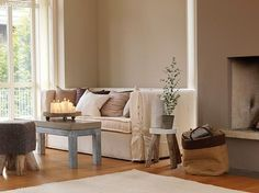 Neutral sitting room scheme, image from Mi Casa Ambiente tonos marrones Jotum Colorful Interior Design, Contemporary Interior, Home Interior Design, Small Living, Home And Living, Living Spaces, Living Room, Color Me Beautiful, Jotun Lady