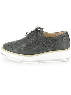 Zapatos con cordones - Zapatos derby de polipiel con plataforma - Kiabi  28€ Derby, Sneakers, Shoes, Fashion, Role Models, Lanyards, Platform, Tents, Over Knee Socks