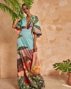 Add some color to your life with the In Pursuit Print Maxi dress from Fe Noel 🇬🇩 _______________________________________________________… Estilo Resort, Tropical Fashion, Mode Chic, Resort Wear, Look Fashion, African Fashion, Dress To Impress, Editorial Fashion, Passion For Fashion