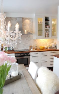 kitchen glam - love the tile and the all white scheme