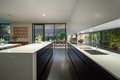 Modern Luxury Kitchens For A Grand Kitchen Modern Kitchen Design, Interior Design Kitchen, Home Decor Kitchen, Deco Design, Küchen Design, House Design, Design Ideas, Luxury Kitchens, Black Kitchens