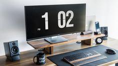 Minimal Office + Desk Tour To do our best work, we need three things: clear goals, time to focus, and[...] The post Perfect Productive Workspace – Minimal Office + Desk Tour first appeared on Technology in Business.