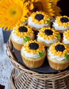 Sunflower Cupcakes, Sunflower Party, Sunflower Baby Showers, Sunflower Wedding Favors, Sunflower Nursery, Baby Shower Cupcakes For Girls, Girl Cupcakes, Easter Cupcakes, Christmas Cupcakes
