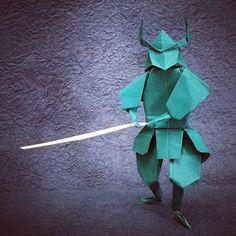 いいね!58件、コメント2件 ― Taro Yaguchi Origami Studioさん(@taroyaguchi)のInstagramアカウント: 「An Origami Samurai holding a sword designed and folded by Taro Yaguchi. #origami #samurai #ninja…」