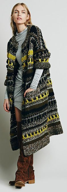 I am a HAPPY girl, just bought this beautiful long vest at an Anthropology… Crochet Coat, Knitted Coat, Knitwear Fashion, Crochet Fashion, Knit Jacket, Knit Cardigan, Long Vests, Knitting Designs, Pulls