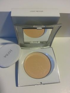 Jafra, Pressed Powder - Light Medium >>> Check this awesome product by going to the link at the image. (This is an affiliate link and I receive a commission for the sales) Makeup Eyeshadow, Face Makeup, No Foundation Makeup, Smoky Eye, Makeup Tips, Powder, Detail, Medium, Beauty