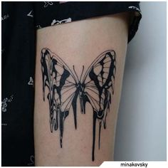 Tatuaggio farfalla - Butterfly tattoo #tat #tats #tattoo #tattooed #ink #inked #butterfly #butterflytattoo #naturetattoo #animaltattoo #fly #tattooideas Skull Butterfly Tattoo, Mum Tattoo, Throat Tattoo, Nature Tattoos, Yin Yang, Deathly Hallows Tattoo, Flower Tattoos, Tattoo Drawings, Eagles