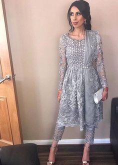 New Wedding Indian Outfit Lehenga Choli Saris Ideas Pakistani Wedding Outfits, Pakistani Dresses, Indian Dresses, Indian Wedding Party Dresses, Punjabi Dress, Punjabi Wedding, Indian Attire, Indian Wear, Indian Suits Punjabi