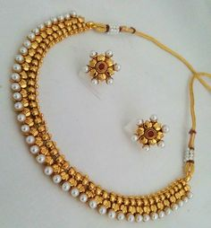 Indian Wedding Jewelry, Indian Jewelry, Bridal Jewelry, Antique Jewellery Designs, Gold Jewellery Design, Gold Jewelry, Statement Jewelry, Gold Drop Earrings, Gold Necklace
