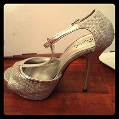 Quipid silver platform heels Only worn once cute silver heels Qupid Shoes Heels