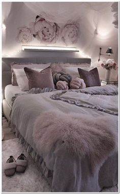 Room Decor - How can I decorate my room Room Decor, Wall Decor, Inspirational Wallpapers, My Room, Comforters, Blanket, Canning, Living Room, Bed