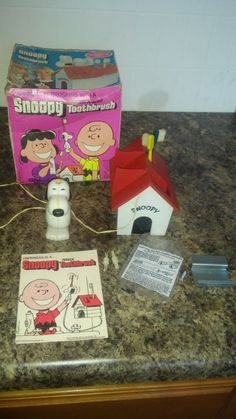 Vintage 1972 Kenner Peanuts Snoopy Toothbrush Battery Operated with Box complete #Generalmills