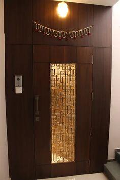Door design ideas for Indian households House Main Door Design, Wooden Front Door Design, Main Entrance Door Design, Grill Door Design, Double Door Design, Pooja Room Door Design, Bedroom Door Design, Door Design Interior, Design Room