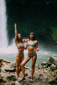 Forget Street StyleHere Are 50 Glorious Photos of Beach Style Cute Hiking Outfit, Summer Hiking Outfit, Summer Outfits, Climbing Outfits, Natalie Off Duty, Underwear, Hiking Photography, Hiking Sandals, Outdoor Store