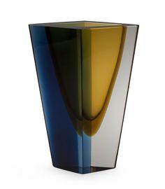 KAJ FRANCK, A VASE. Prisma. Signed K. Franck, Nuutajärvi Notsjö -62 ... Contemporary Design, Modern Design, Vases, Tiffany Lamps, Pots, Nordic Design, Glass Design, Decorative Objects, Art Decor