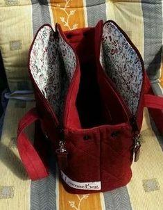 Instructions for spring bags – – essential oils – information and re … – Bag Ideas Diy Handbag, Diy Purse, Handbag Patterns, Bag Patterns To Sew, Patchwork Bags, Quilted Bag, Trendy Handbags, Purses And Handbags, Mk Handbags