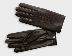 need-it: Une paire de gants Causse modèle Oscar : ici - Cuir d'agneau doublé soie. Fabriqué en France. Oscar Gloves by Causse : here - Lambskin leather and silk lining. Made in France. Prix / Price : 153€ / 200$