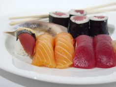 Japanese cuisine is now officially added to UNESCO list Lobster Dishes, Japanese Dishes, Japanese Sushi, Brain Food, Learn To Cook, Fabulous Foods, Cravings, Seafood, Food And Drink