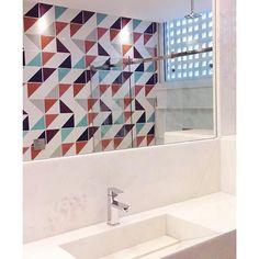 Lurca Azulejos   Azulejos - Kit Serra   Serra Kit - Ceramic Tiles // Shop Online www.lurca.com.br/ #banheiro #lavabo #bathroom #restroom #lurca #lurca_azulejos #azulejos #azulejosdecorados #revestimentos #arquitetura #interiores #decor #design #reforma #decoracao #geometria #casa #ceramica #architecture #decoration #decorate #style #home #homedecor #tiles #ceramictiles #homemade #madeinbrazil #saopaulo #sp #brasil #brazil #design #brasil #braziliandesign #designbrasileiro