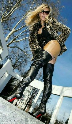 Dedicated to Lady Vanessa! Thigh High Boots, High Heel Boots, Heeled Boots, Mode Outfits, Sexy Outfits, Leather Fashion, Fashion Boots, Leder Boots, Sexy Boots