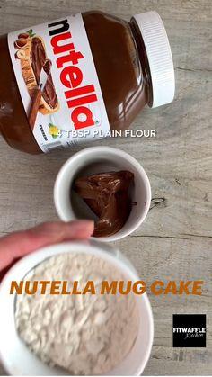 Fun Baking Recipes, Sweet Recipes, Dessert Recipes, Mini Desserts, Delicious Desserts, Yummy Food, Nutella Mug Cake, Puddings, Microwave