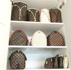 Louis Vuitton Collection Incredible Louis Vuitton Purses and Handbags or ...   #collection #incredible #louis #purses #vuitton Louis Vuitton Wallet, Louis Vuitton Handbags, Purses And Handbags, Vuitton Bag, Louis Vuitton Damier, Louis Vuitton Monogram, Backpack Purse, Fashion Handbags, Fashion Bags