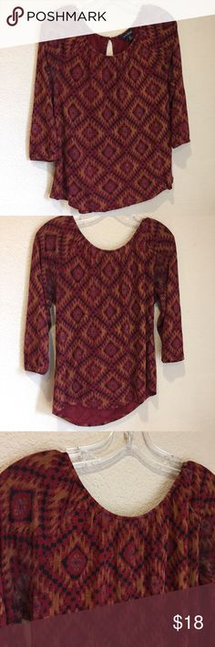 Lucky brand bohemian peasant shirt w keyhole back Lucky brand bohemian peasant shirt w keyhole back great preloved condition Lucky Brand Tops