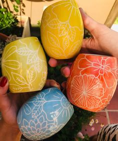 Ceramic Artists, Handmade Pottery, Zentangle, Easter Eggs, Mandala, Objects, Clay, Pattern, Crafts