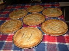 Petites tourtières (pâtés à la viande) | .recettes.qc.ca Bakery, Quiches, Sauce Salsa, Cooking, Filets, Desserts, Christmas Recipes, Food, Torte