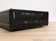 Anche sela connessione USB ha ottenuto una rapida e vasta diffusione sututti i livelli dell'informatica, i professionisti le hanno da sempre preferito soluzionipiù efficienti. Apple ha int…
