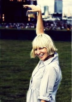 Sia furler, so obsessed with her voice! It has so much emotion.