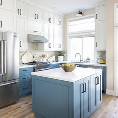 Blue Shaker Kitchen Cabinets with Farm Sink - Kitchen Farm Sink Kitchen, Blue Shaker Kitchen, Kitchen Cabinets And Granite, Discount Kitchen Cabinets, White Shaker Cabinets, Custom Kitchen Cabinets, Kitchen Board, Kitchen And Bath Design, Mosaic Backsplash