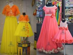 Looking for a best mom daughter matching outfits to wear in India, here are few cool traditional dresses to check out! Mom Daughter Matching Outfits, Mommy Daughter Dresses, Mom And Baby Dresses, Kids Party Wear Dresses, Mother Daughter Fashion, Gowns For Girls, Dresses Kids Girl, Girl Outfits, Girls Frock Design