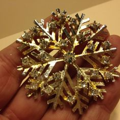 Vintage Signed EISENBERG ICE Gold Tone SNOWFLAKE BROOCH Pin Rhinestone Jewelry #Eisenberg