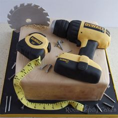 Tool Cake square cake to look like a piece of wood. RKT drill and tape measure. Gumpaste saw, tape, nails, etc. All edible. 70th Birthday Cake, Birthday Cakes For Men, Birthday Cupcakes, Honey Do Shower, Tool Party, Tool Cake, Construction Birthday, Square Cakes, Fondant Toppers